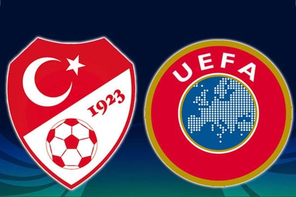 Prof.Dr.Acar Baltas UEFA Pro Lisans Kursunun 2. Asamasinda da Katilimcilarla Bulustu.jpg_3615510