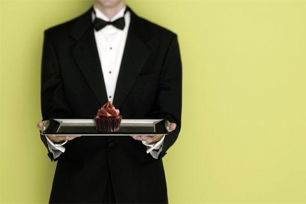 garson-service-cake.jpg_31715196